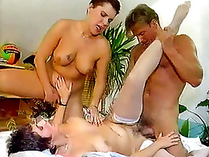 Homemade inexperienced ass-fuck intrusion threeway with buxom dame an