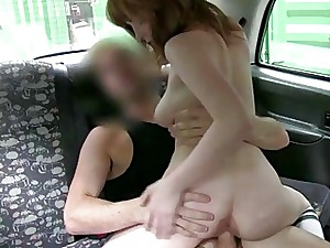 Sugary-sweet fuck-fest inwards the taxi after audition