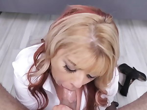 The boss ordered to give her in the gullet