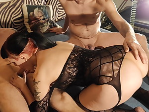 Meatpipe lover goth subslut in a raw fucky-fucky with 2 random fellows