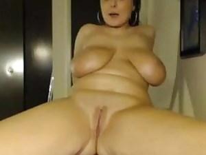Massive boobs tit have fun on Plus-size